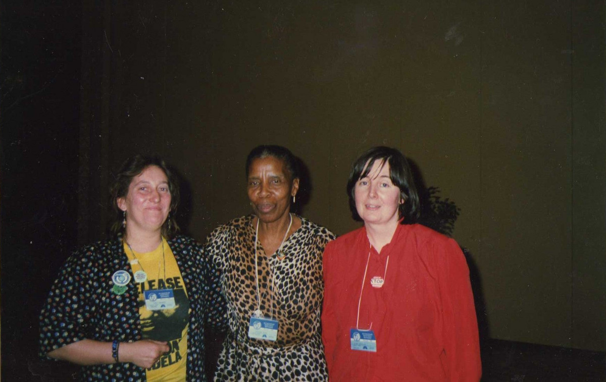 Lynda Walker with Gertrude Shope, South African Trade Unionist and head of the ANC Women's League. (Image reproduced with kind permission of Lynda Walker).